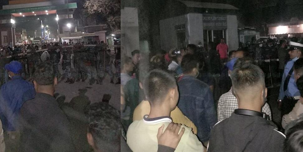 रुपन्देहीको बेलहिया नाकामा भारतीय सीमा सुरक्षा बल एसएसबी बिरुद्ध नेपालीहरुको बेलहिया नाकामा प्रदर्शन